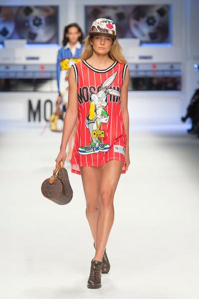 Показ Moschino на Неделе моды в Милане | галерея [2] фото [5]