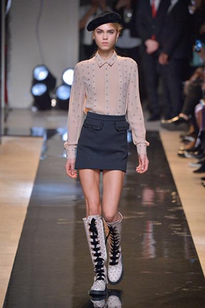 Неделя моды в Париже: показы Alexander McQueen и Paul & Joe ready-to-wear осень — зима 2015-2016   галерея [2] фото [10]