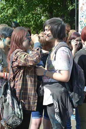 Иркутск: фестиваль красок