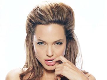 Анджелина Джоли (Angelina Jolie) подарит Брэду Питту (Brad Pitt) бриллиант.