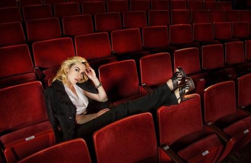 Кейт Уинслет не составило труда вжиться в образ театральной дивы