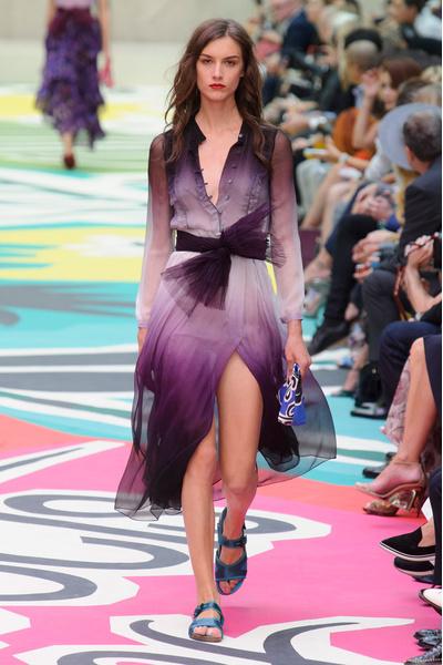 Показ Burberry Prorsum на Неделе моды в Лондоне