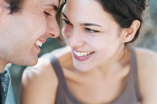 Близость и доверие двоим необходимы, чтобы они могли создать по-настоящему живые отношения
