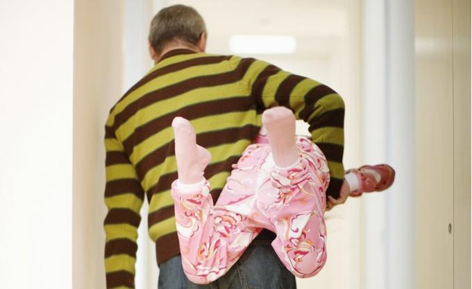 Что будет с дочерью, которую наказывал отец?