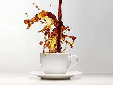 Кофеин защитит от вредного влияния солнца.