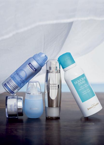 1. Увлажняющий дневной крем с чистым кислородом «Вдохновение кожи», Nivea 2. Крем, насыщающий кожу кислородом, Pure Jeunesse, Orlane 3. Крем-комплекс для век «Двойное дыхание», Faberlic 4. Эссенция для лица, восстанавливающая функции клеточного дыхания, Bio-Performance, Shiseido 5. Очищающий мусс, улучшающий дыхание кожи, Douceur D'Eau, Jeanne Piaubert