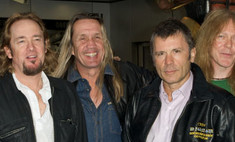 Вокалист Iron Maiden спилотировал Boeing с музыкантами на борту