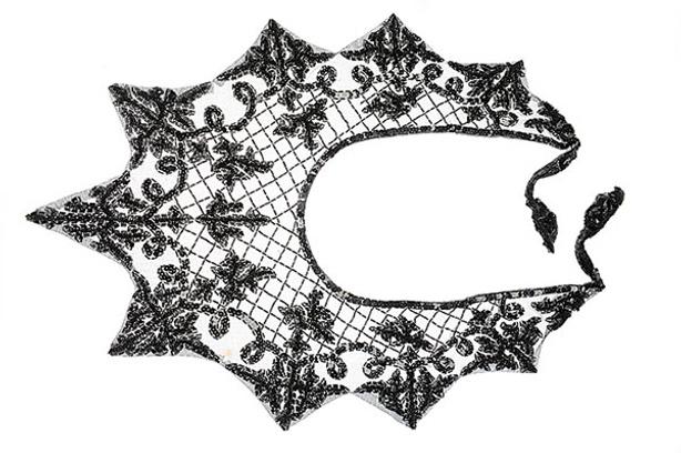 Накидка, вышитая бисером