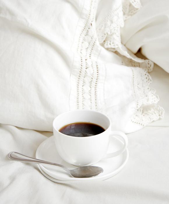 кофе в постель, горячий кофе
