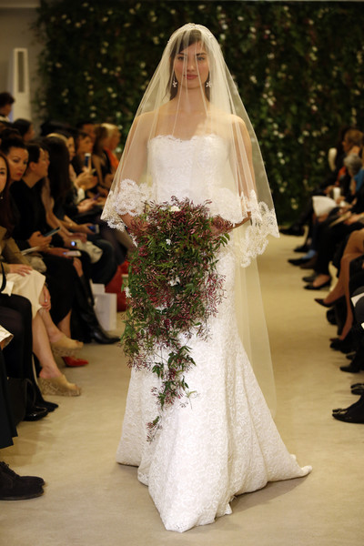 Показ Carolina Herrera на Неделе свадебной моды в Нью-Йорке | галерея [1] фото [7]