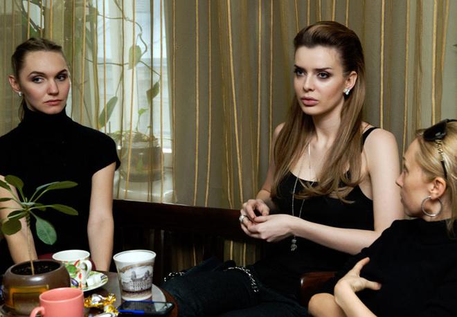 Мнение каждого члена комиссии важно, но к Юлии особое отношение. Модель тщательно выбирает девушек, с которыми выйдет на подиум.