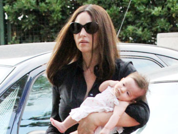 Моника Белуччи (Monica Bellucci) с дочкой