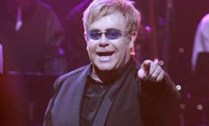 Итальянские чиновники оплатили концерт Элтона Джона антикризисными деньгами