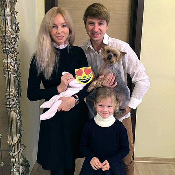 Алексей Ягудин продемонстрировал поклонникам фото меньшей дочери