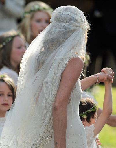 Свадебный образ Кейт Мосс (Kate Moss).