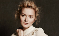Надя Михалкова и другие звезды снялись для H&M