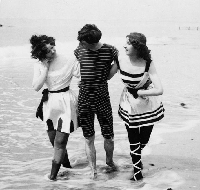 история купальника от тоги до бикини