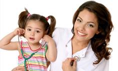 Девушки в белых халатах: самые красивые медики Барнаула