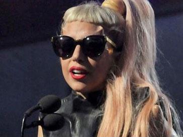 Леди ГаГа (Lady GaGa) лысеет