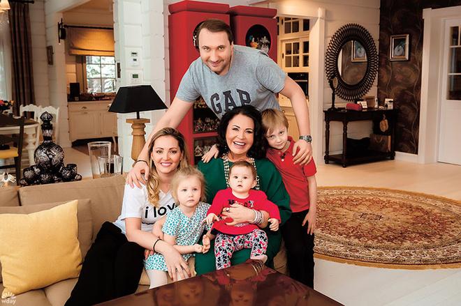Надежда Бабкина с семьей фото