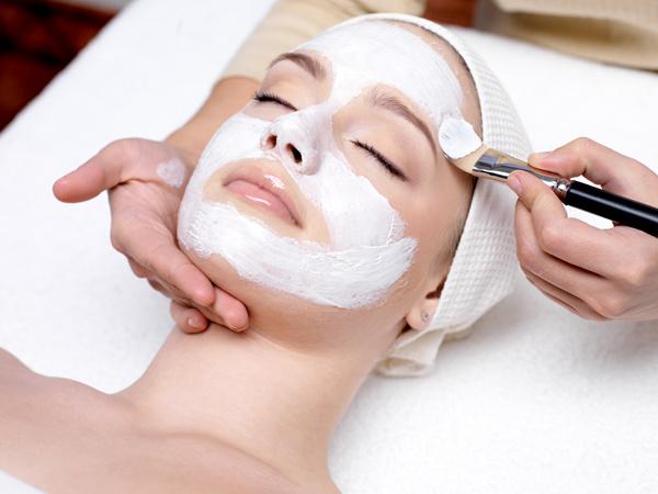 Для того, чтобы кожа была идеальной, несколько раз в год необходимо посещать косметолога.