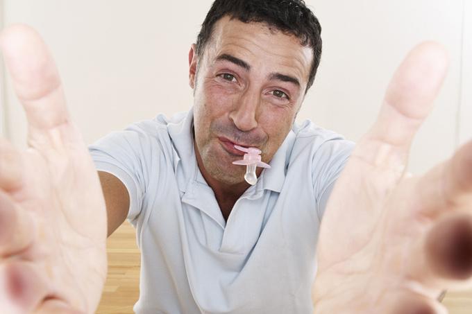 Синдром Питера Пэна: что делать, если ваш партнер отказывается взрослеть