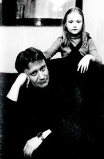 Отец и дочь: отношения, которые завершить невозможно.