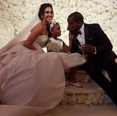 Миллион белых роз: роскошная свадьба сына миллиардерши из Нигерии
