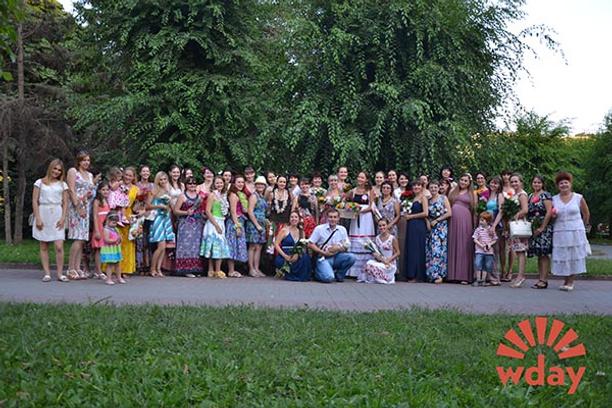 """Флешмоб """"День женственности"""" в Волгограде"""