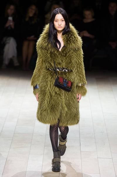 Самые красивые образы Недели моды в Лондоне | галерея [1] фото [82]