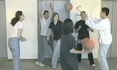 Гарвардский видеотест на внимательность 1999 года