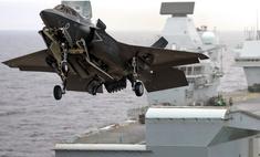 пилоты тестируют минимальную скорость стартовой катапульты авианосца видео