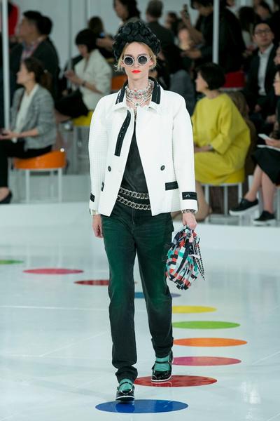 Показ круизной коллекции Chanel в Сеуле | галерея [1] фото [40]
