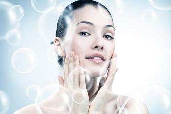 Молодая кожа (до 30 лет) чаще всего бывает обезвоженной и усталой.