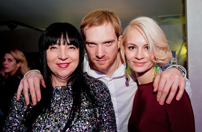 Андрей Бурковский с мамой и женой, фото