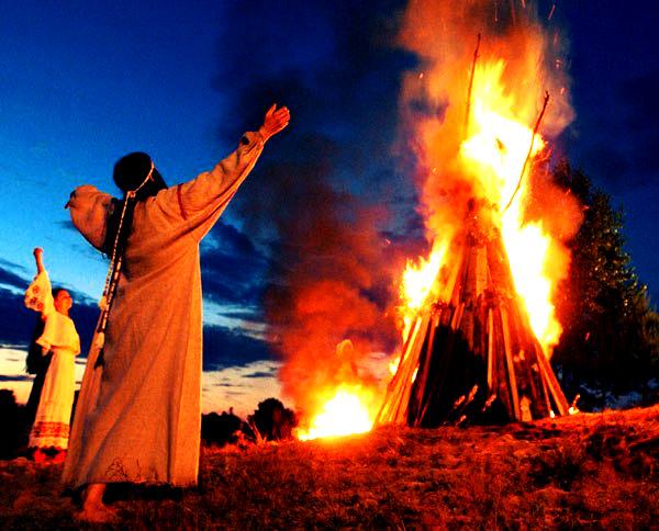 Главное событие праздника — сожжение коки