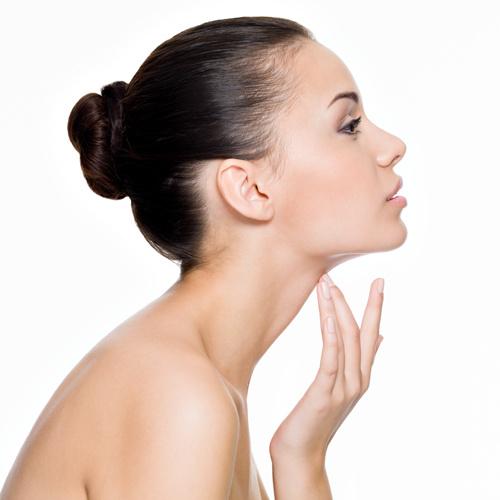 Регулярное увлажнение кожи предотвратит появление морщин.