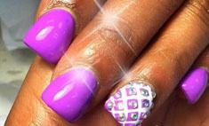 Bubble nails: пугающий маникюр стал хитом