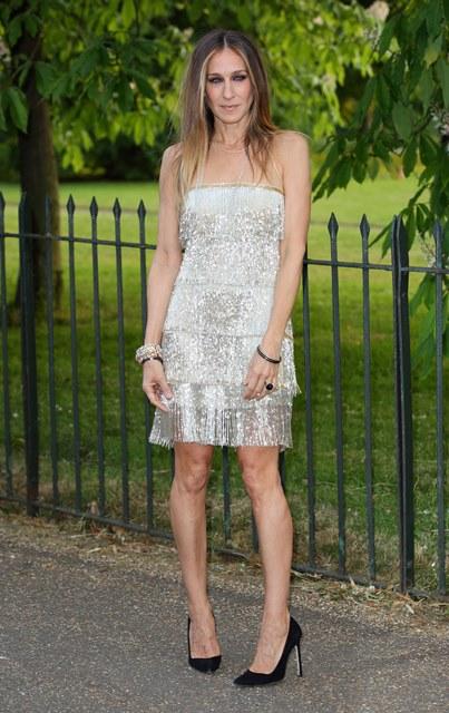 Короткое платье на кривых ногах