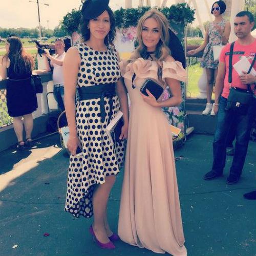 Скачки Гран-при Радио Монте-Карло: Елена Борщева и Алена Водонаева фото