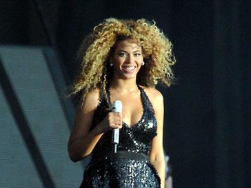 Бейонсе (Beyonce Knowles) занимает первую строчку Billboard