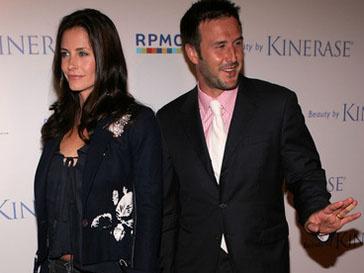 Кортни Кокс (Courteney Cox) и Дэвид Аркетт (David Arquette) продолжают интересовать друг друга после развода