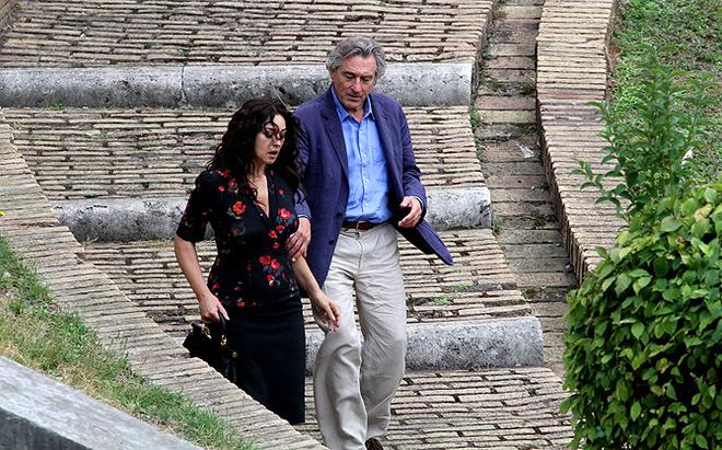 Роберт и Моника в качестве пары смотрятся чудесно. Известно, что актеры будут играть на итальянском языке.