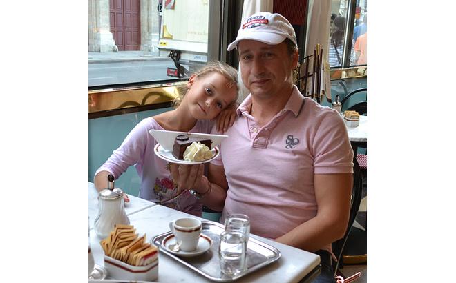 """Александр Ковалев, ведущий """"Званого ужина"""", с дочкой Сашей, фото"""