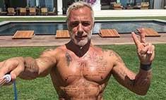 Весь в белом: танцующий миллионер Вакки показал свой дом