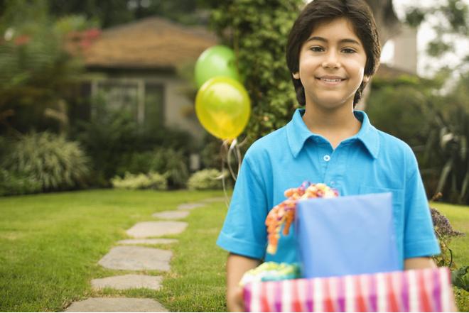 Что подарить мальчику на день рождения в 11 лет, конечно, конструктор