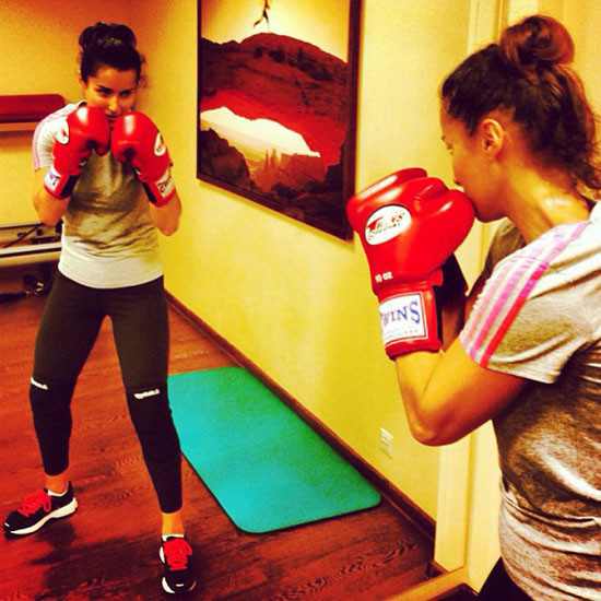 Тина Канделаки разнообразила силовые тренировки боксом