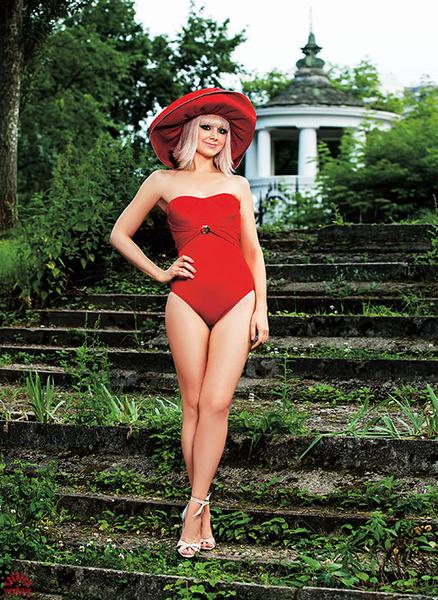 Натали в купальнике: фото