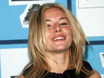 Сиенна Миллер (Sienna Miller) отсудила 100 тыс. фунтов стерлингов