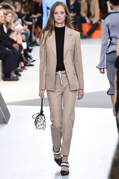 Неделя моды в Париже: показ Louis Vuitton ready-to-wear осень-зима 2015/16 | галерея [1] фото [17]